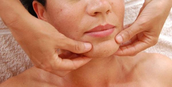 Vrste i značaj masaža lica kod zrele kože